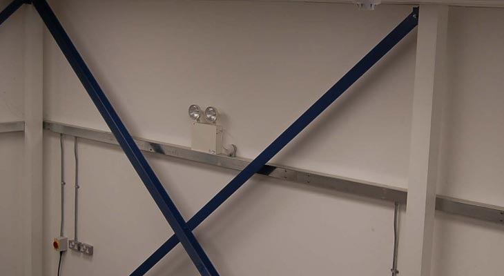 Warehouse metal trunking installation for cabling