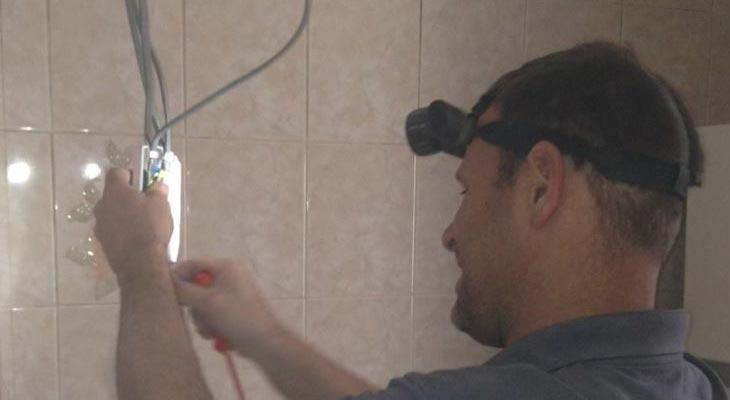 Electrical testing in Croydon