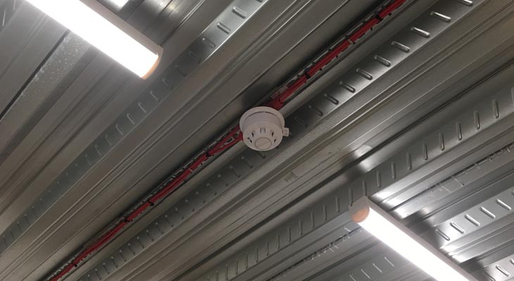 Smoke detector with batten lighting